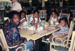 Kourtney, Kurtis, Kristine, Kelly II and Kelly I eating at Coco's